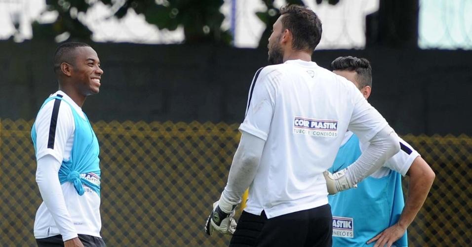 Robinho acertou 11 de 17 cobranças de pênalti em treinamento nesta sexta-feira, na Vila