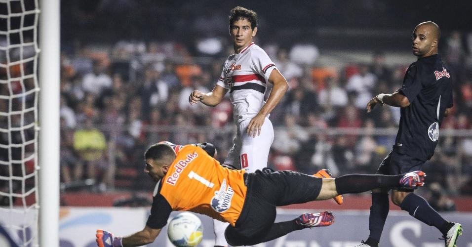 Ganso completa cruzamento e faz o terceiro gol do São Paulo contra o Red Bull, em jogo das quartas de final do Paulistão
