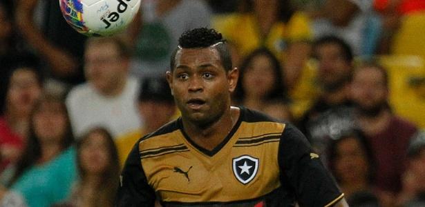 Jobson está suspenso do futebol profissional até 2019