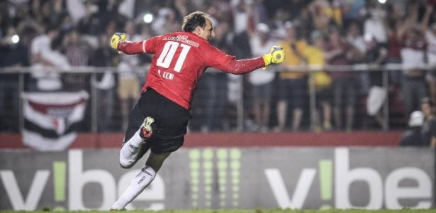 Goleiro são-paulino marcou seu 127º gol da carreira no último sábado contra o Red Bull - Ricardo Nogueira/Folhapress