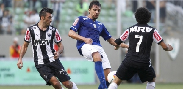 Cruzeiro aciona TJD para antecipar clássico da semifinal do Mineiro -  15 04 2015 - UOL Esporte 960ef99a2d131
