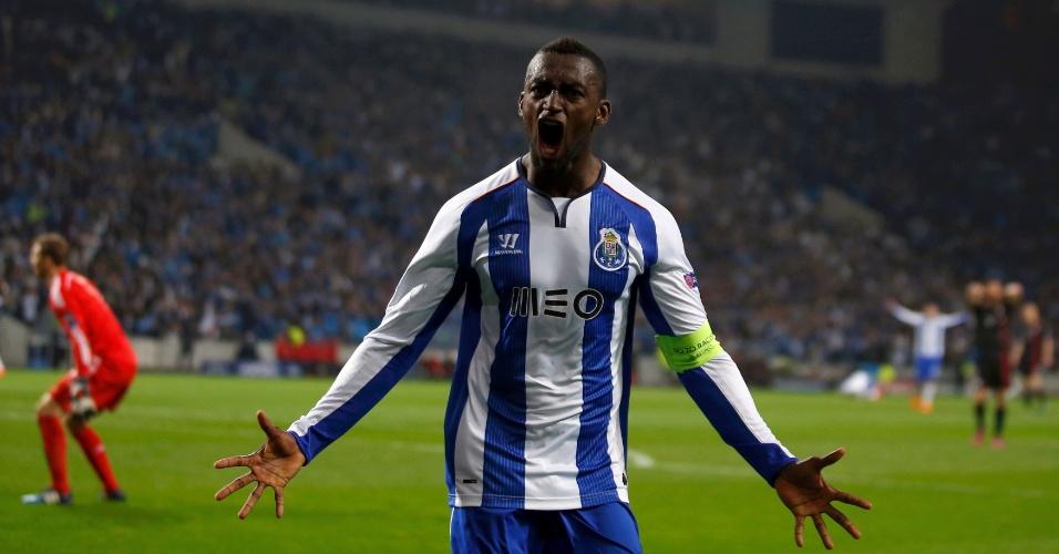Jackson Martínez comemora o terceiro gol do Porto sobre o Bayern de Munique
