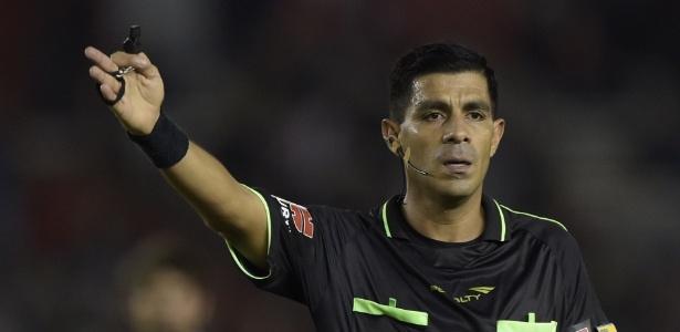 Árbitro Enrique Caceres trabalhará em Junior Barranquilla x Palmeiras