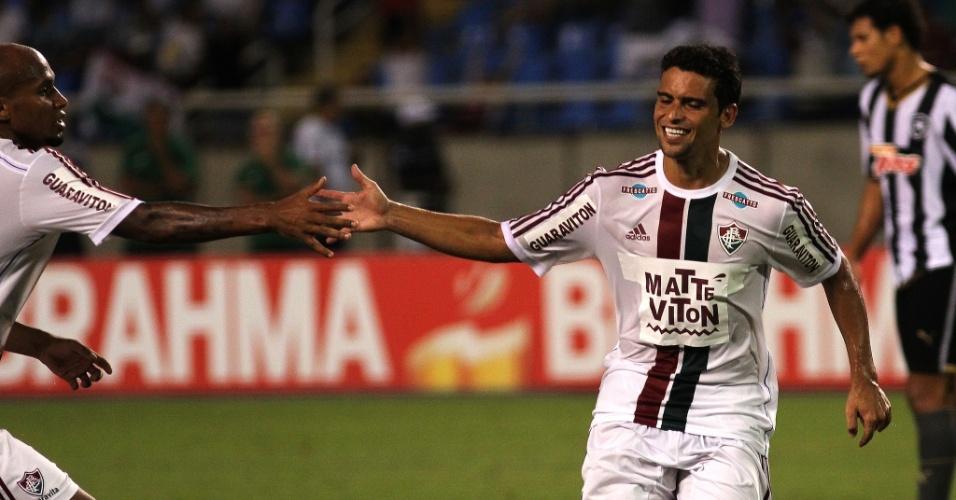 Jean comemora gol de pênalti marcado no confronto entre Botafogo e Fluminense, pelo Campeonato Carioca