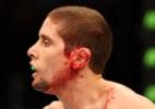 Diego Brandão faz corte na orelha de rival e abre UFC com vitória