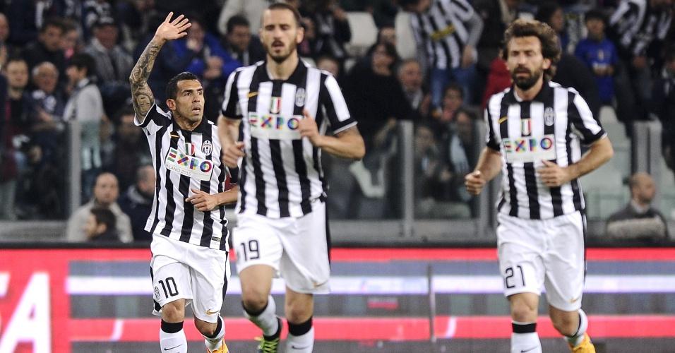 Tevez comemora primeiro gol da Juventus contra a Lazio