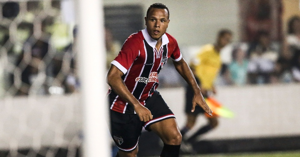 Luis Fabiano marca e desconta para o São Paulo contra o Santos na semifinal do Paulistão