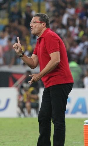 Luxemburgo orienta Flamengo em clássico carioca