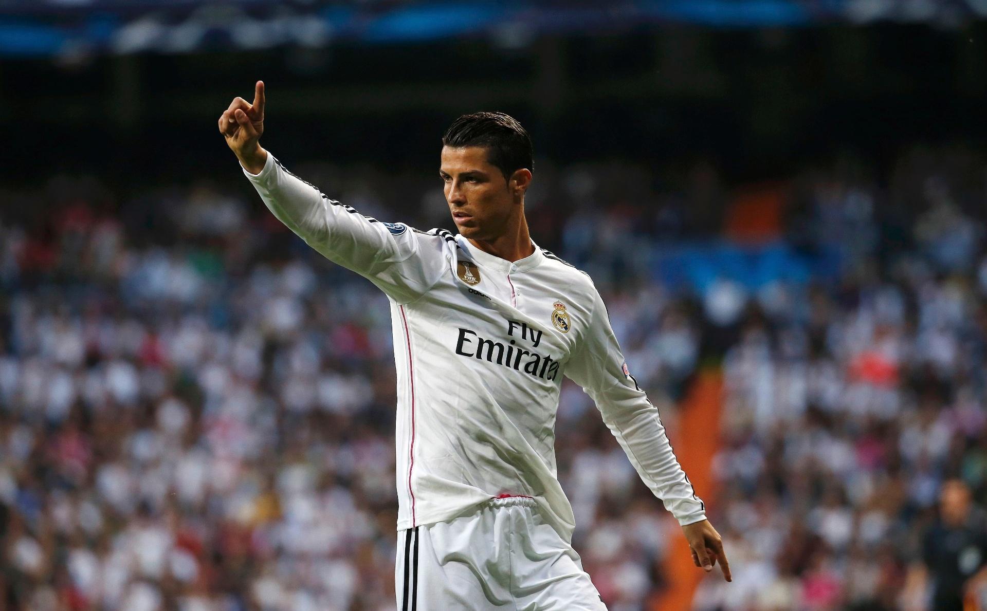 10ef75a615 CR7 iguala número de jogos do United. Média de gols no Real é incomparável  - 25 04 2015 - UOL Esporte