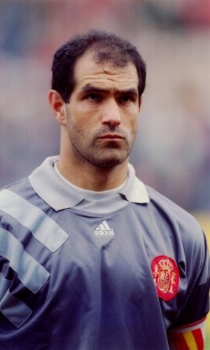 Goleiro ?Zubizarreta se prepara para defender a seleção da Espanha em outubro de 1993