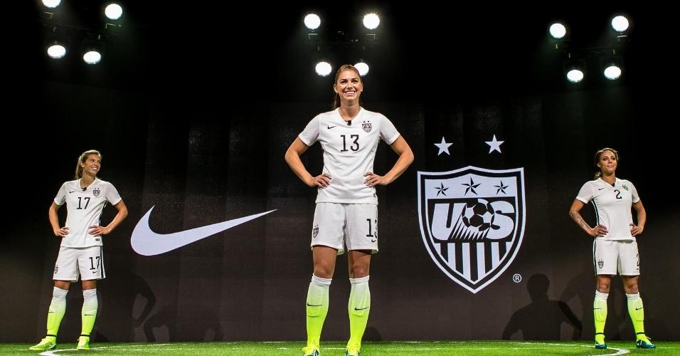 3c826d025c7e9 Fotos  Novo uniforme da seleção feminina dos EUA - 23 04 2015 - UOL ...
