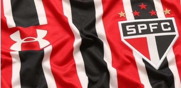 4fa2344f27 O torcedor do São Paulo terá trabalho para se manter atualizado com as  camisas do clube em 2017. Serão cinco lançamentos diferentes de uniforme na  temporada ...