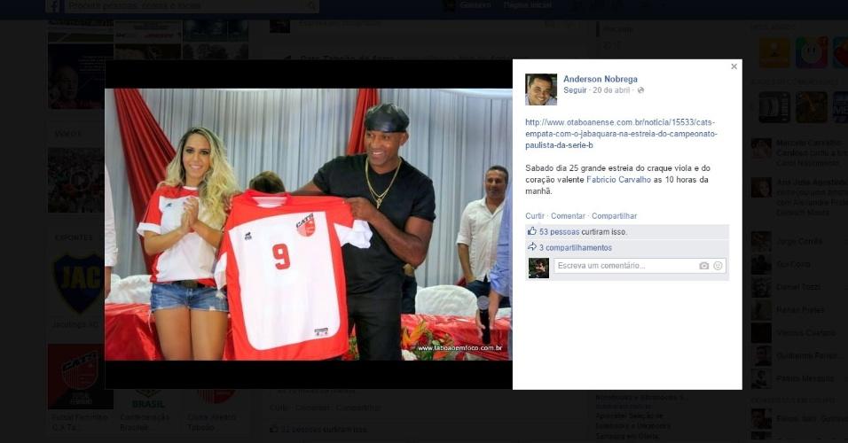 Reprodução do Facebook do Taboão da Serra, que mostra a apresentação de Viola no clube ao lado da Mulher Melão