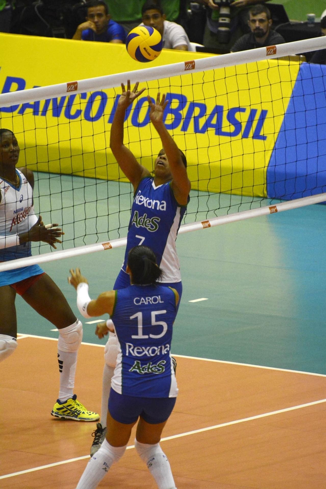 Fofão participou de sua última Superliga e ajudou o Rexona/Ades a vencer o Molico/Nestlé