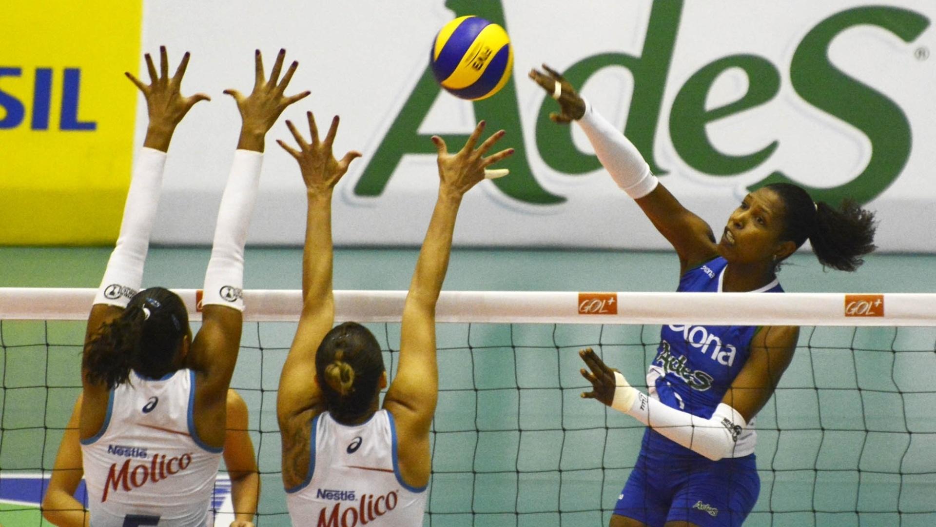 Rexona/Ades soube se impor e conseguiu uma vitória tranquila sobre o Molico/Nestlé