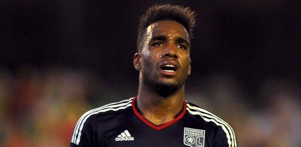 Lyon recusa proposta do Arsenal por Lacazette