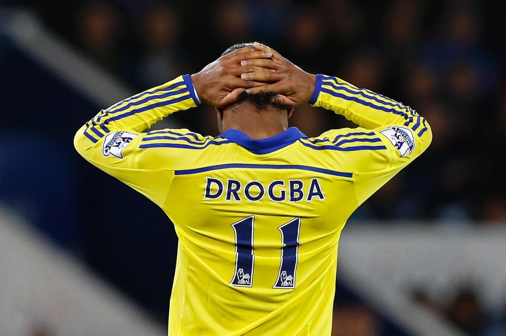 Drogba lamenta lance perdido na partida contra o Leicester