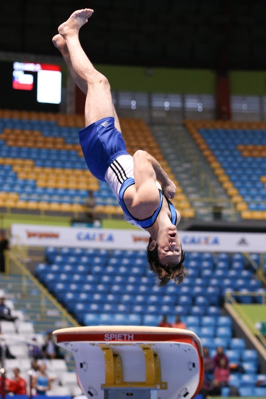 Brasileiro avançou à disputa por medalhas ao terminar na sexta colocação