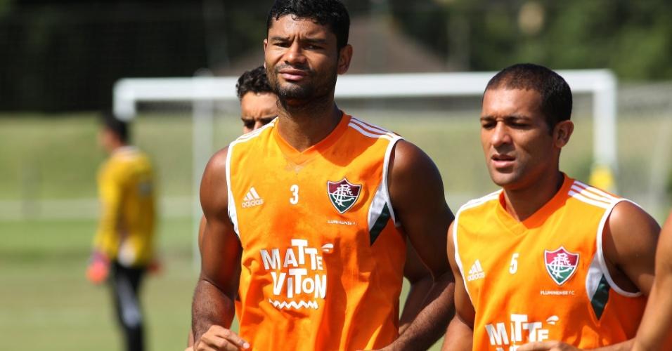 01 mai. 2015 - Gum e Pierre participam de treinamento do Fluminense em Mangaratiba