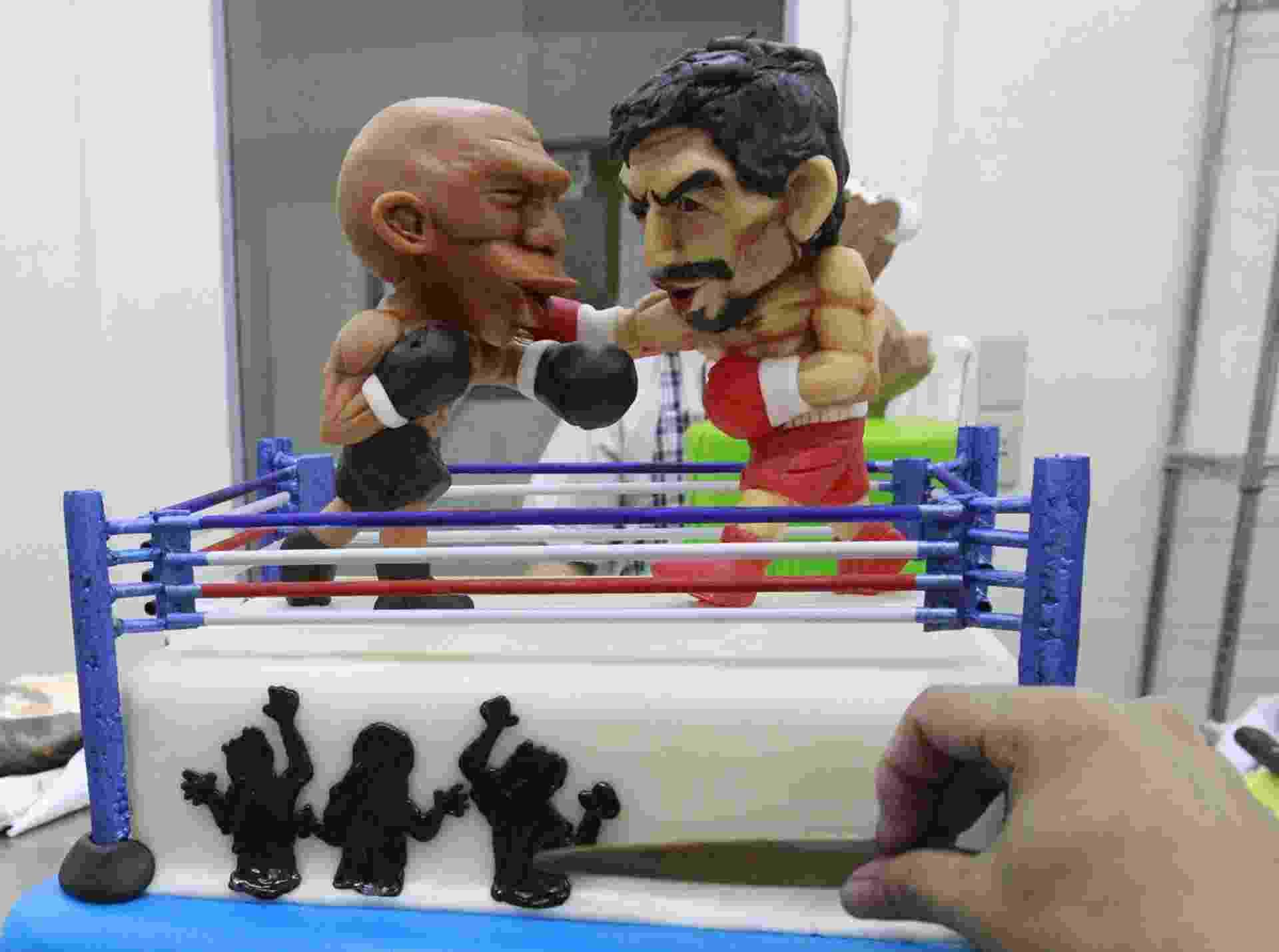 Nas Filipinas, luta entre Floyd Mayweather Jr. e Manny Pacquiao virou bolo - ROMEO RANOCO/REUTERS