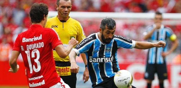 Grêmio encara o São Paulo sem Douglas e tem desfalque de última hora ... bb5fba127e967