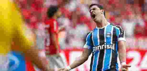 Giuliano pede que jogadores do Grêmio reforcem cobrança contra desatenção - LUCAS UEBEL/GREMIO FBPA