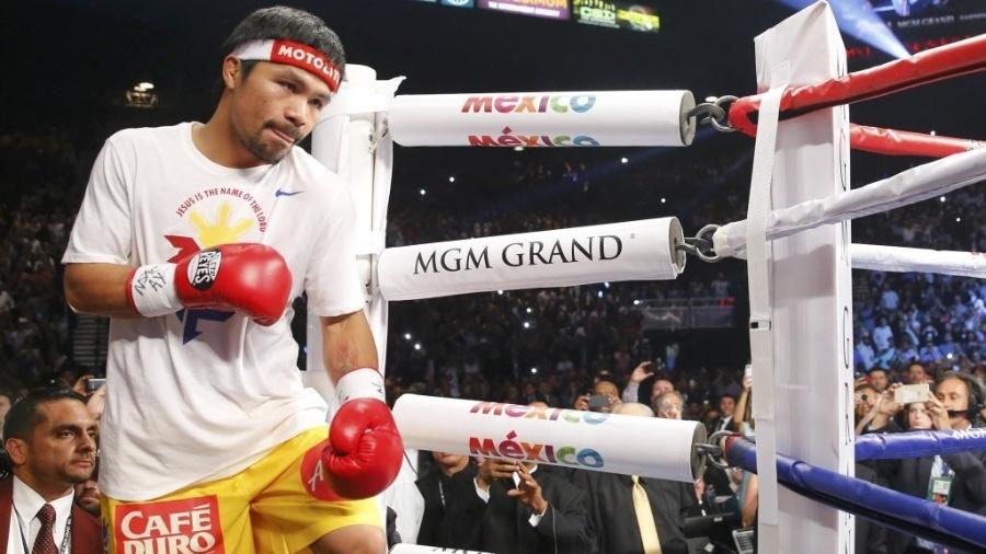 Filipino Manny Pacquiao sobe ao ringue para a luta com Floyd Mayweather - Steve Marcus/Reuters