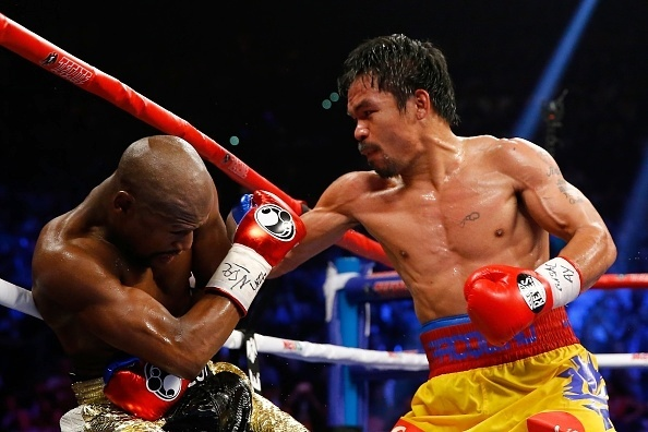 Pacquiao coloca Mayweather contra as cordas
