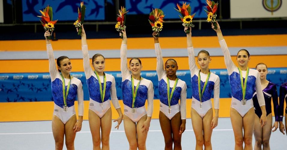 Daiane dos Santos com a equipe brasileira nos Jogos Pan-Ameircanos do Rio de Janeiro, em 2007