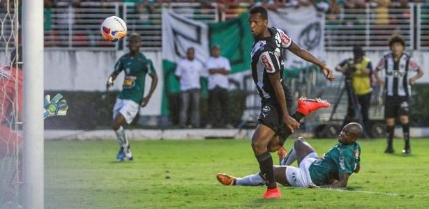 """Lance do gol pelo Atlético-MG que """"marcou"""" Jô em Poços de Caldas"""