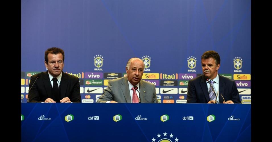 Dunga, Gilmar Rinaldi e Marco Polo Del Nero durante a convocação da seleção brasileira para a Copa América 2015