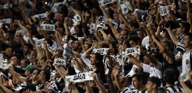 Torcida do Atlético-MG promete fazer a festa em estreia como mandante na Libertadores - AFP PHOTO / DOUGLAS MAGNO