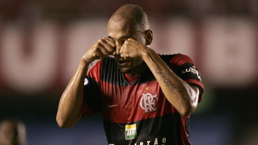"""Souza oficializou """"chororô"""" ao provocar botafoguenses em 2008 - Reuters"""