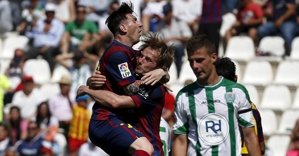 Messi comemora gol marcado pelo Barcelona sobre o Córdoba