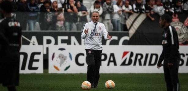 Tite ainda não anunciou se escolherá Corinthians ou seleção brasileira
