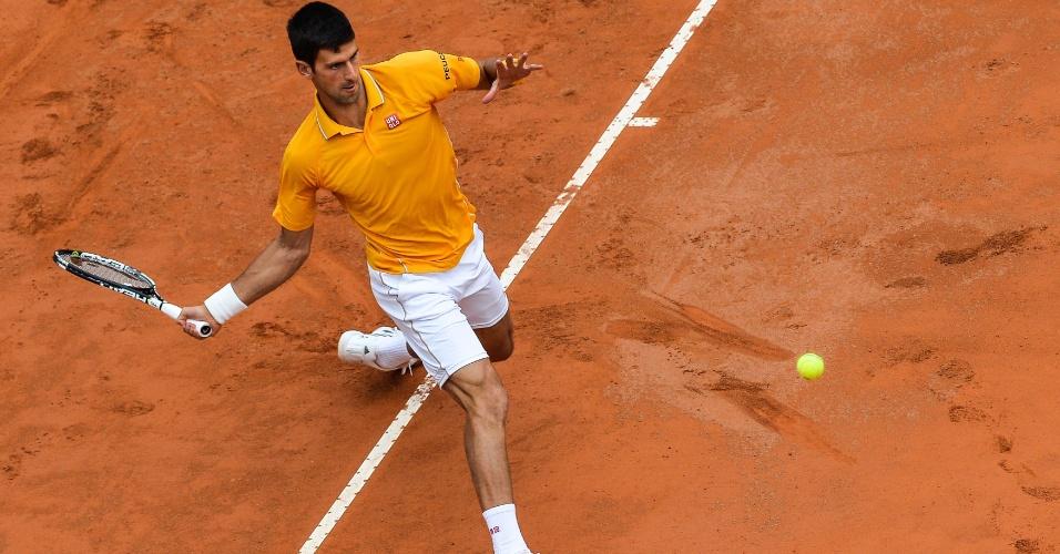 Novak Djokovic prepara golpe pelas quartas de final do Masters 1000 de Roma
