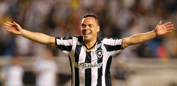 Lulinha marcou o gol do Botafogo no segundo tempo da partida