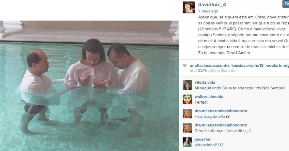 David Luiz é batizado na França. O zagueiro é favorável à abstinência sexual antes do casamento