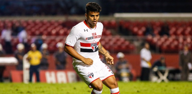 João Paulo em ação durante estreia no time profissional do São Paulo