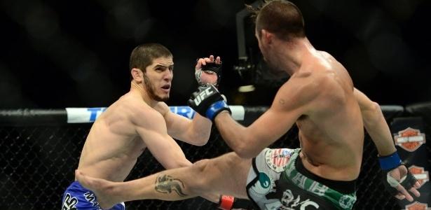 Islam Makhachev (à esquerda) lutaria contra Drew Dober - Joe Camporeale/USA TODAY Sports