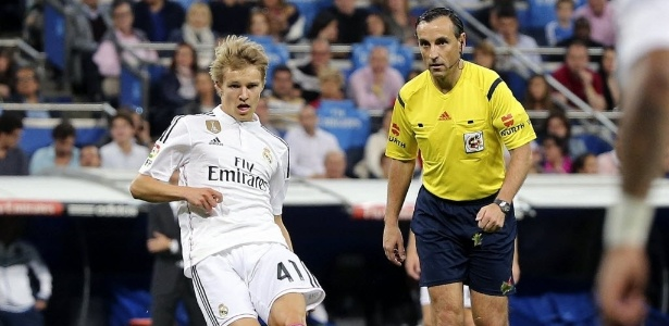 Odegaard foi contratado como estrela, mas decepcionou no clube merengue - EFE/Ballesteros