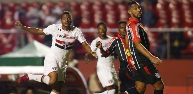 O lateral esquerdo Reinaldo renovou o seu contrato com o São Paulo