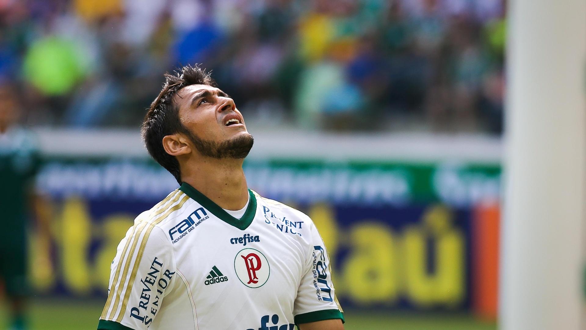 Robinho lamenta oportunidade desperdiçada em jogo do Palmeiras