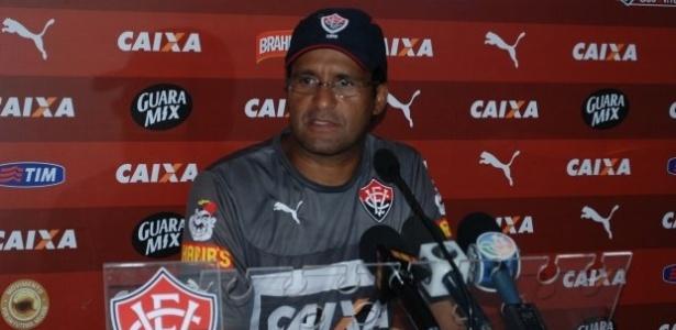 Wesley Carvalho comandou o Vitória nas finais do Baianão e ficou com o título