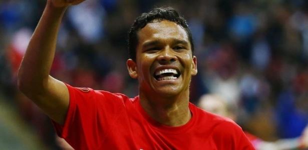 Colombiano brilhou pelo Sevilla (foto) antes de ir para o Milan