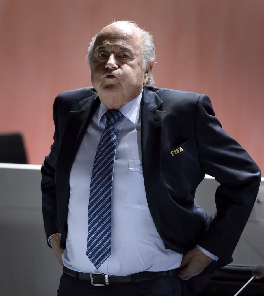 Blatter tinha até semanas anteriores o apoio de 5 confederações. Dirigente espera que aliados não mudem para o candidato da Europa, Ali Abi Al Hussein