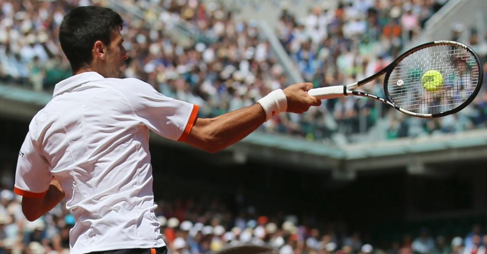 Novak Djokovic pela terceira rodada de Roland Garros