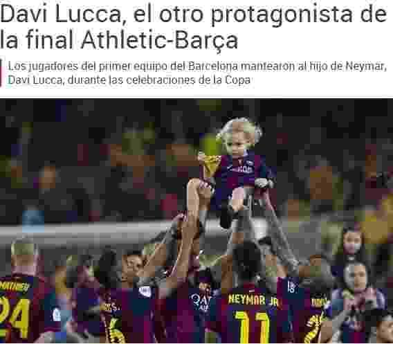 O filho de Neymar foi carregado pelos jogadores do Barcelona e virou matéria da imprensa espanhola - Reprodução Mundo Deportivo