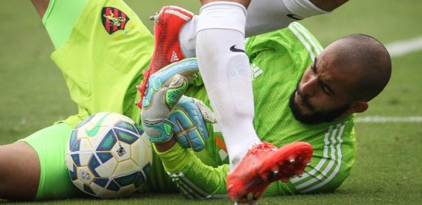 Danilo Fernandes, do Sport, é um dos nomes apreciados pelo Internacional para o gol