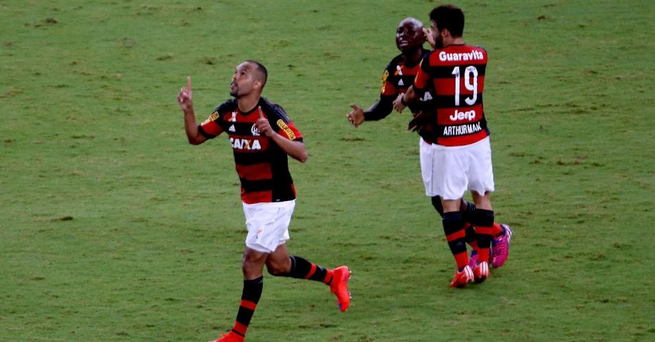 Alecsandro comemora o gol marcado pelo Flamengo